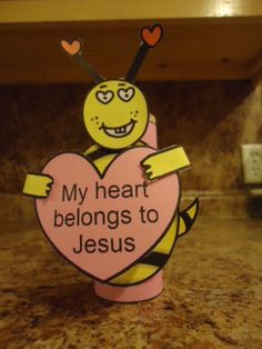 My heart belongs to Jesus Valentine's Day bee toilet paper roll craft for Sunday school or Children's Church or School