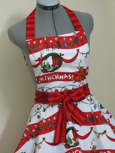 The Grinch Apron...omg my jaw is on the ground