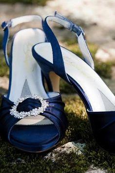 Beautiful blue heels for the bride! {Lucas deSousa Photography}