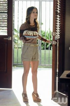 Shorts and wedges - Rachel Bilson - Hart of Dixie