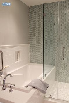 I LOVE the way the shower meets the tub surround.  It would be a perfect solution to my bathroom situation!