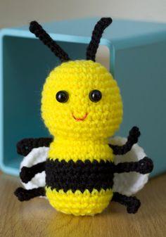Cute Crochet Bee free crochet pattern