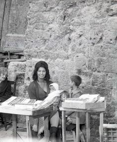 Italian Vintage Photographs ~ #Italy #Italian #vintage #photographs ~ Picture of Sophia Loren with children