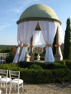 Pagoda at Chateau Diter, Grasse http://www.annenaylorcelebrant.com/