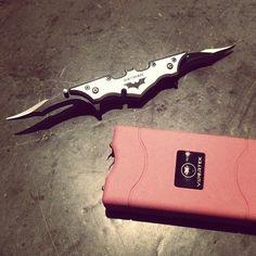 Batman Batarang Folding Knife