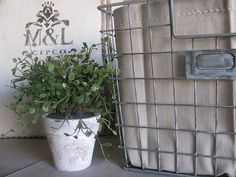 diy painted wire basket *could be great in the playroom*