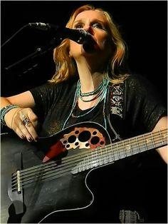 Photo by -Tea Rose of Melissa Etheridge on tour!