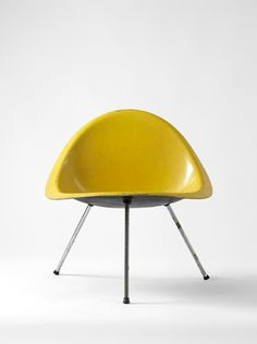 :: Shell Chair - Poul Kjaerholm ::
