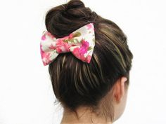 FLORAL and white PINK and green BOW on a metal hair by Cucarachita