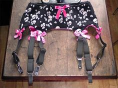 How+To+Make+A+Garter+Belt+#howto+#tutorial