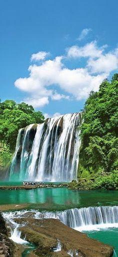 Huangguoshu Waterfall located on the Baishui_River in Anshun, Guizhou in China ..rh