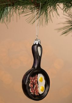 Skillet Ornament Stuffed with Eggs and Bacon - Ornament Reviews