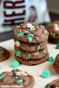 Mint Cookies 'n Cream Pudding Cookies #christmas #holiday #winter #snacks #cookies #cookie