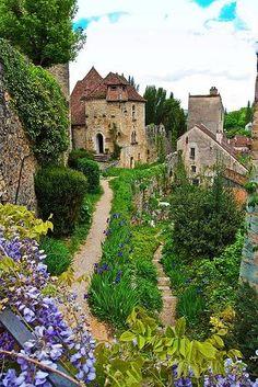 the medieval village Saint-Cirq-Lapopie, in France