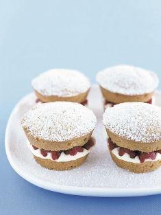 vanilla cakes with raspberries and cream