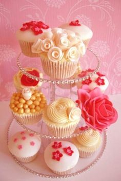 Hand crafted cupcake stand