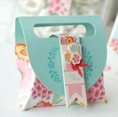 pillow box, paper