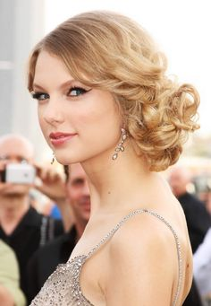 taylor swift hairsty
