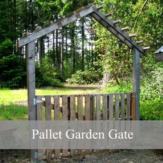I could soooo make this. Okay, my hubby could soooo make this ... when he retires ... in 26 years. Diy Fences Gates, Pallets Gardens, Diy Gardens Gates, Diy Pallets Gates, Pallets Projects Gates, Diy Gates, Pallets In Gardens, Pallets Gates Diy, Gardens Gates Diy