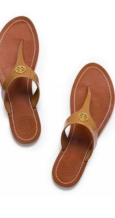 Honeymoon essentials: leather sandals