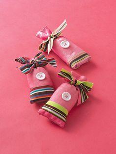 Button sachet favors - so very sweet