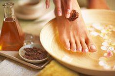 Challenge #2: Honey, you look Beeautiful   Peppermint Honey Feet Treat