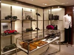 Our expansive new men's-only store in Hong Kong features a premiere assortment of Ralph Lauren's finest menswear collections and accessories, including a luxurious offering of accessories and leather goods, footwear and Ralph Lauren timepieces