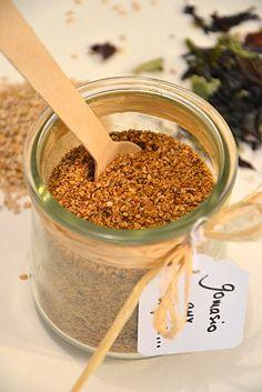 Gomasio aux algues { sel de sésame japonais }  http://www.lesrecettesdejuliette.fr