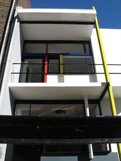 Chapter 23: Schroder House in Utrecht, Netherlands. Architect, Gerrit Thomas Rietveld #Historia #Arte #Design @Qomomolo