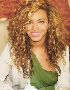 beyonce curly hair