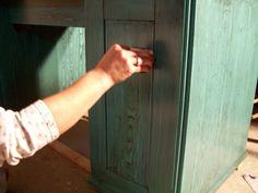 Recaptured Charm: A little Peek wood graining tool