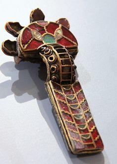 Fibula (brooch) @ Ashmolean Museum, Oxford Anglo-Saxon/Frankish 600-700, gold, glass and garnet