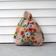 Burlap drawstring tote bag