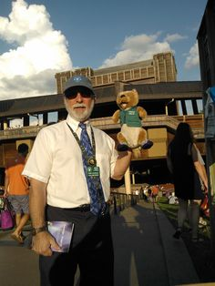 The world-class Filene Center at Wolf Trap National Park seats 7000 and hosts concerts from May to September. Ollie saw the band Dark Star Orchestra there and made friends with volunteers.