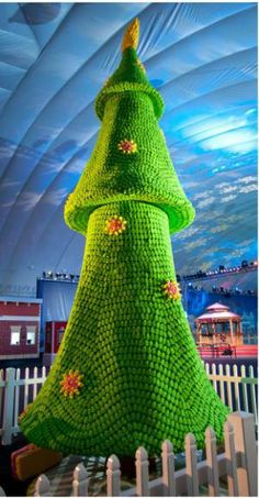 A Christmas tree made out of Marshmallow Peeps!?!