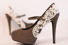 Gray Platform Pumps with Venise Lace  Size 55 by LaPlumeEthere, $70.00