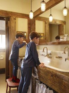 modern farmhouse, cabin, barn, boy bathroom, rustic bathrooms, beam, bathroom sinks, kids bath, kid bathrooms