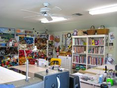 WAZOO! Newsbits: My sewing and quilting studio space