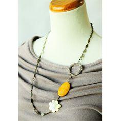 asymmetrical style necklace.
