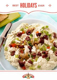 Whoops! Forgot the appetizers? Don't worry, you can whip up this Mediterranean Cracker Spread in minutes. #BestHolidaysEver