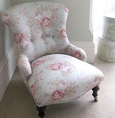 beautiful chair ~ love the legs on wheels