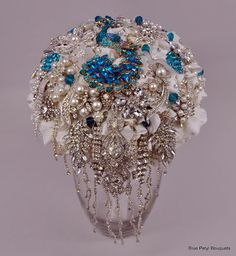 In Cascata by Blue Petyl Bouquets #wedding #bouquet