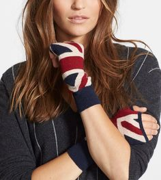 Love these Union Jack fingerless gloves!
