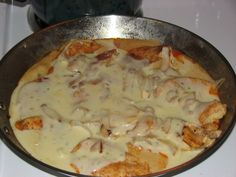 pollo fundido...add white wine and mushrooms, peppers
