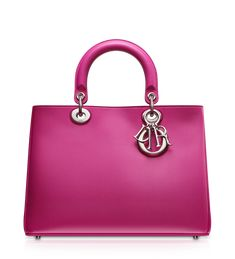 Oh my gosh...I want this gorgeous bag!