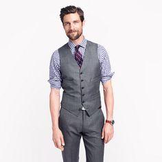 Ludlow suit vest in Italian worsted wool.