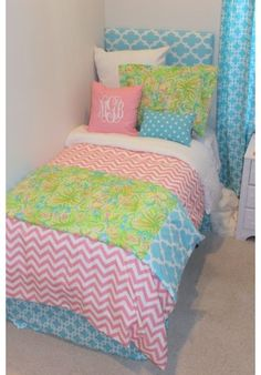 Lilly's Elephant Ears Designer Teen & Dorm Bed in a Bag preppy and pretty! Only 4 sets.  Don't miss this one.  Just released. Perfect for home or dorm!