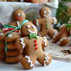 This gingerbread is moist, spicy, smelling of ginger and cinnamon, the one we all remember.