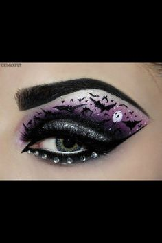 Amazing halloween eye makeup