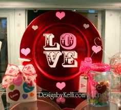 Cute Valentine's decor, decorating ideas, vinyl decals, lettering and craft projects! Valentine Charger.